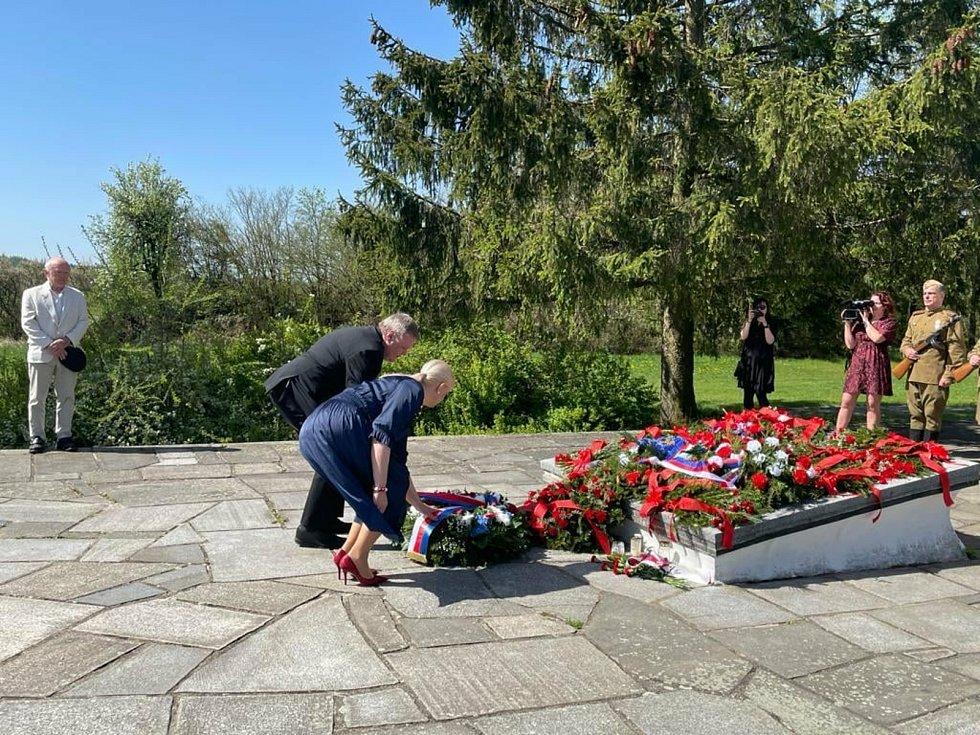 Pietní akt v Milíně uctil památku obětí druhé světové války.