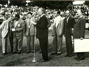 Z historie SK SPARTAK Příbram. Rok 1961, před utkáním s Guineou.
