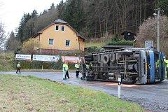 Dopravní nehoda zablokovala průjezd Čenkovem po silnici 118.