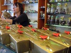 Většina Příbramských obchodů nabízí speciální valentýnskou kolekci výrobků
