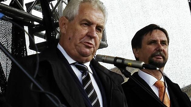 Prezident Miloš Zeman a příbramský starosta Pavel Pikrt.