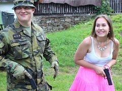Již 9. ročníku tradičních Jineckých slavností se účastnila také Armáda ČR. Na akci byla výstava vojenské techniky a střílelo se i z malého děla.