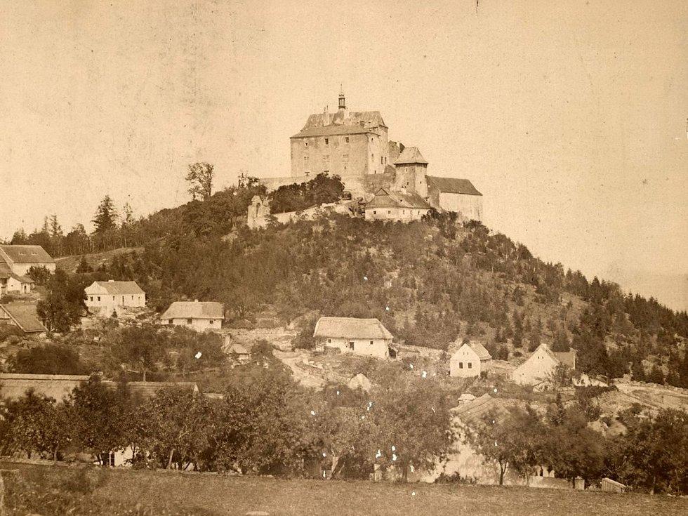 Hrad Vysoký Chlumec u Sedlčan ze začátku 20- století.