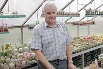 Kaktusář Vladimír Ježek ve svých sklenících v Březnici.