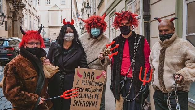 Mikulášský protest proti daňovým změnám.