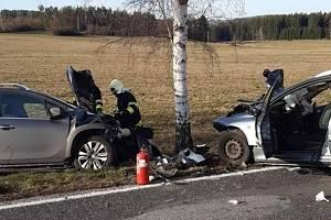 Dopravní nehoda na silnici II/118 u obce Jablonná.
