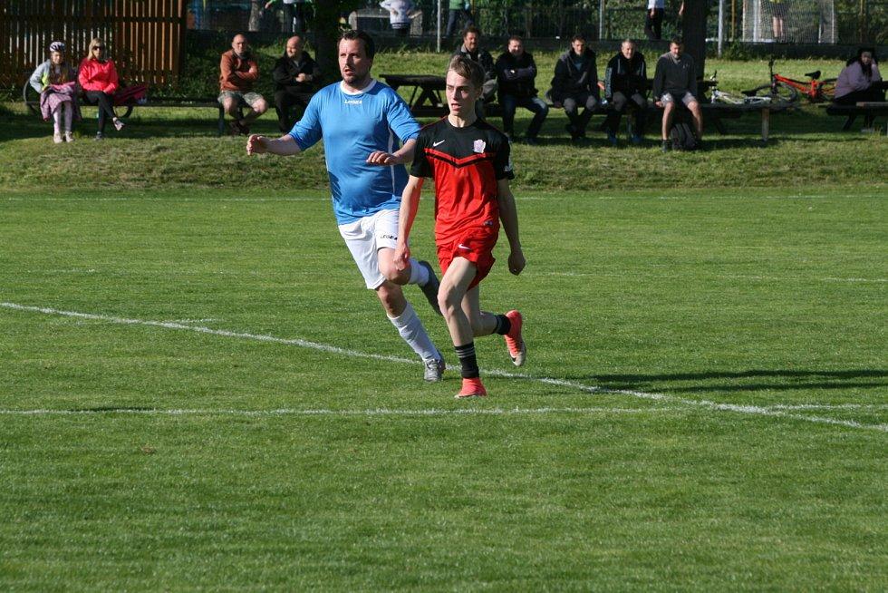 Přípravný zápas Nová Ves pod Pleší - Stará Huť 2:2. Hráno v Malé Hraštici.