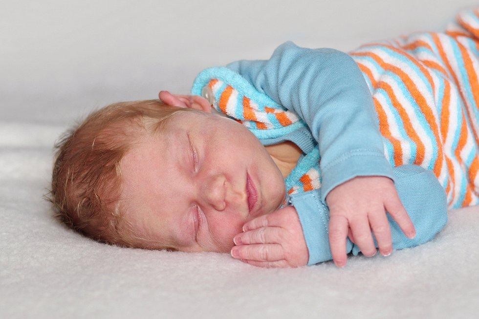 Jakub Jirák se narodil 21. ledna 2020 v Příbrami. Vážil 3700 g a měřil 50 cm. Doma v Drahenicích syna přivítali maminka Lenka a tatínek Pavel.