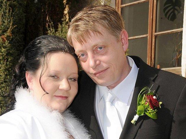 """V obřadní síni na zámečku v Příbrami si v sobotu 12. března v poledne řekli své """"ano"""" Irena Varenitsynová a Martin Veselý."""
