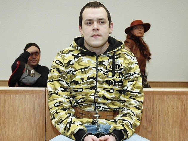 Kubánec Julio Alain Sanchez Cespedes u Vrchního soudu v Praze.