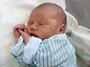 MIKULÁŠ BÍLEK se narodil v pátek 16. června o váze 4,18 kg a míře 53 cm. O svého prvního potomka budou rodiče Kristýna a Jan pečovat doma v Dobříši.