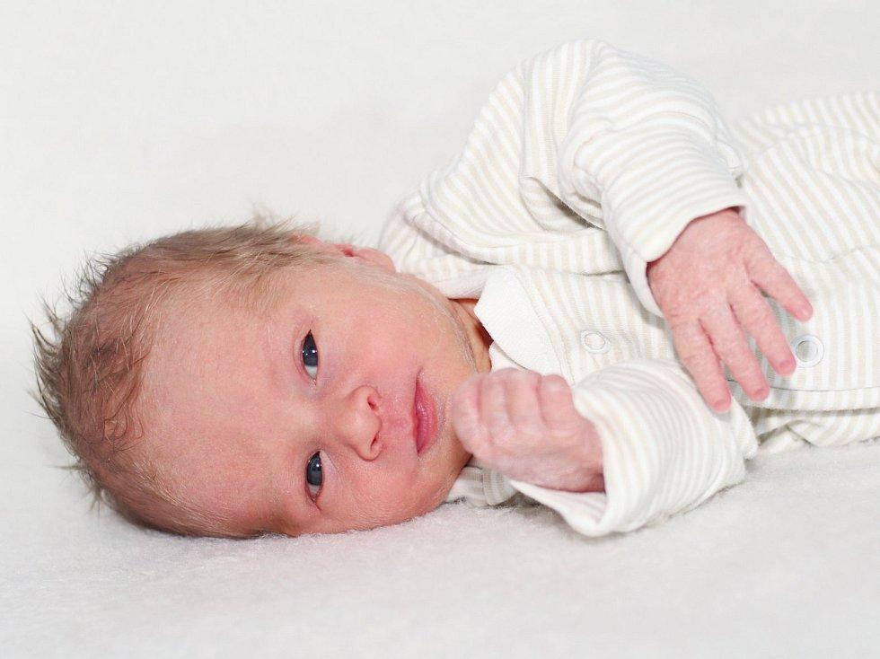 Nikolas Janoušek se narodil 22. ledna 2020 v Příbrami. Vážil 2240 g a měřil 47 cm. Doma v Sedlčanech syna přivítali maminka Tereza a tatínek Zdeněk.