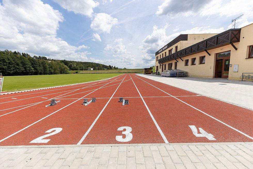 Atletický stadion Taverny v Sedlčanech.