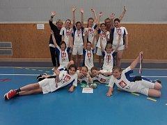 Žákyně ze ZŠ Březnice získaly bronzové medaile ve vybíjené.