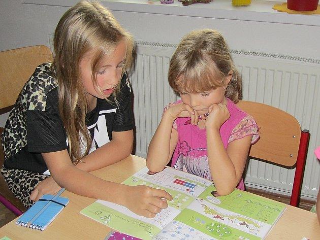 Nová metoda výuky matematiky v Bohutíně se osvědčila. Žáci učí žáky.