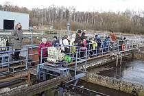 Členové rybářského kroužku z Rožmitálu pod Třemšínem navštívili místní čističku odpadních vod.