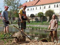 Historická obnova nábřeží v Březnici.