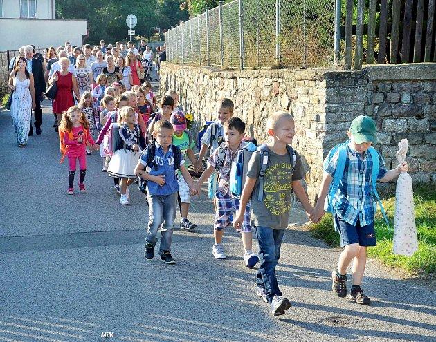 Zahájení školního roku v Jincích.
