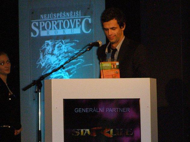 Vyhlášení ankety Nejúspěšnější sportovec Příbramska roku 2011. Kategorie jednotlivec nad 18 let - 1. místo: Aleš Hruška (brankář 1.FK Příbram).