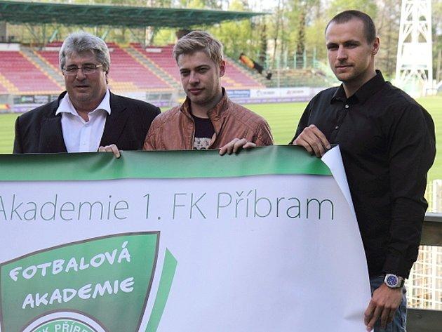 Do prostor Akademie 1.FK Příbram přišel na návštěvu hejtman Josef Řihák.