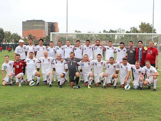 Český reprezentační tým doktorů vyhrál mistrovství světa ve fotbale.