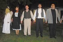 Představení Divadelního souboru Skalka v lesním divadle v Novém Podlesí.