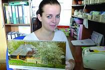 Iva Podlipská, pracovnice Regionálního informačního střediska v Sedlčanech, potvrdila, že kalendáře na příští rok už má také k dispozici.