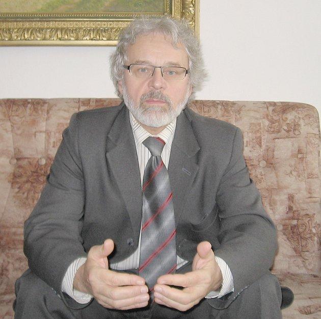 Ředitel SZŠ a VOŠ Příbram Václav Kočovský.