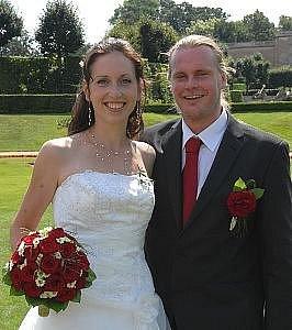 V konírně dobříšského zámku se v sobotu 15. srpna konal svatební obřad, při kterém si řekli ano Kristýna Ježková a Marcel Mikeska z Dobříše.