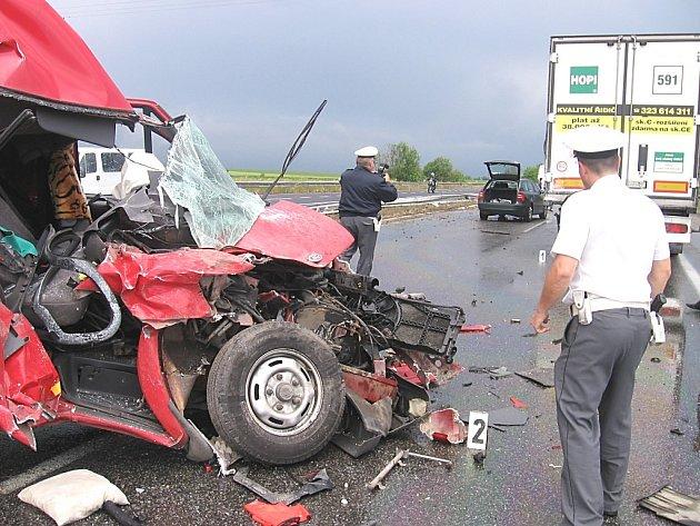 Nehoda zablokovala strakonickou silnici ve směru na Prahu.