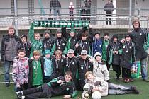 Mladší žáci 1.FK Příbram po svém turnaji, na kterém skončili třetí.