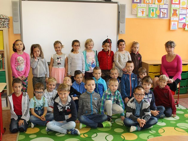 Žáci 1. D 2. ZŠ Dobříš pod vedením učitelky Hany Dvořákové.