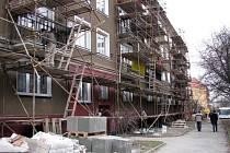 Pokud byly v bytech v posledních pěti letech prováděny opravy, cena za metr čtvereční se tak navýší až o pět set korun.
