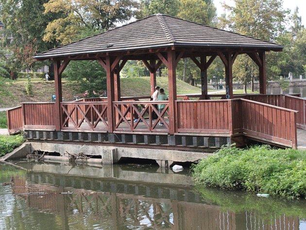 Lávky a mosty ve městě dlouhodobě nikdo nekontroloval.