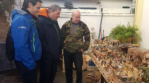 Z výstavy betlémů a prací výtvarné soutěže 'Vánoce vČechách a Ledru' na Svaté Hoře v Příbrami.