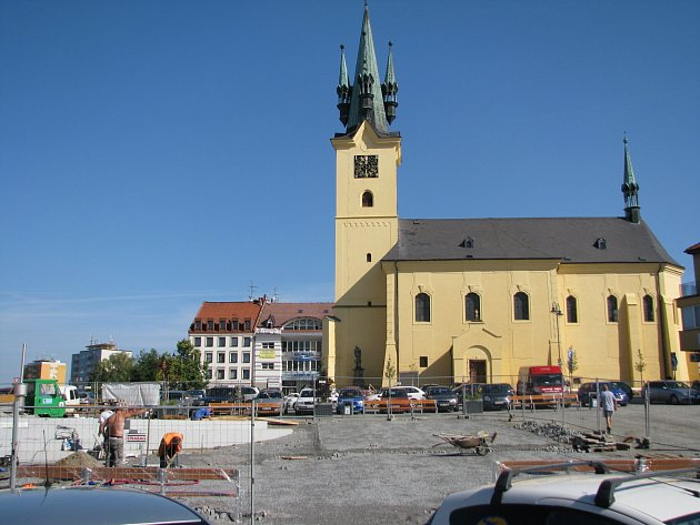 Rekonstrukce náměstí TGM je téměř hotová.