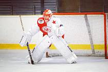 Opora ze Slavie. Brankář Matěj Kodad momentálně táhne příbramské hokejisty do play-off.