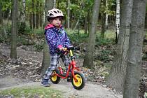Práce na dětském cyklotrailu na Drkolnově v Příbrami míří pomalu do finiše.