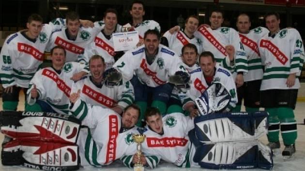 7ca75599f6107 Hokejisté dostali pohár za prvenství - Příbramský deník
