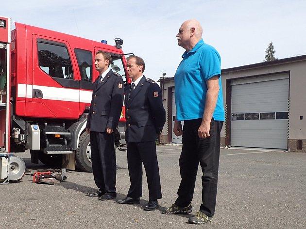 Dobrovolní hasiči z Dobříše dostali hydraulickou vyprošťovací sadu.