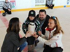 Hokejový maraton opět pomáhal