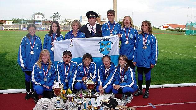 Mladí hasiči z SDH Petrovice.