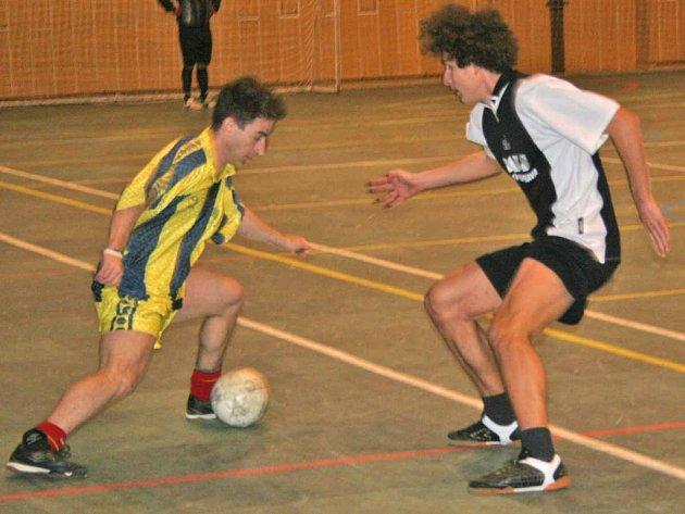 Hned dvakrát narazili fotbalisté Milína v play-off na družstvo Dobříše.