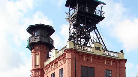 Těžní věž Ševčinského dolu (zaraženého v roce 1813) - šachetní budova z roku 1879.