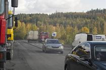 Frézování silnice v Bohutíně