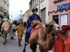 Průvod v čele s Třemi králi prošel historickým centrem města.