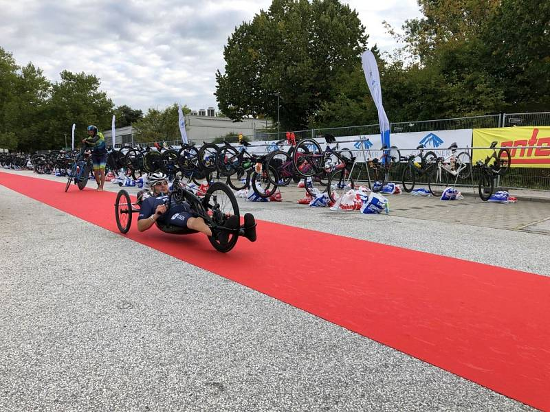 Handicapovaný biker během závodu