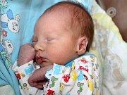 MAREK ZETÍK, první miminko rodičů Martiny a Marka z Příbrami, spatřil světlo světa v neděli 18. června, kdy vážil 2,62 cm a měřil 48 cm.