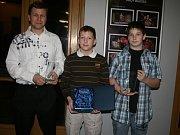 Judisté Příbrami byli na pódiu celkem třikrát. Vlastimil Vít (vlevo) byl čtvrtý mezi jednotlivci nad 18 let, František Puc vyhrál Hvězdu Deníku a Vít Jech skončil třetí v kategorii jednotlivců do 18 let.