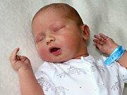 JAN ŠIMŮNEK se narodil v pátek 15. září o váze 4,05 kg a míře 53 cm  Veronice a Vítězslavovi z Tochovic. Radost má i sestra Terezka.